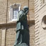 La estatua de Fray Domingo de Silos en la actualidad