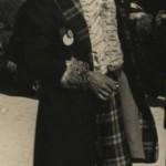 """Antonio Clavaín con el tipo de """"La reaparición de los anticuarios"""" de 1954. Colección Manuel Clavaín Jácome."""